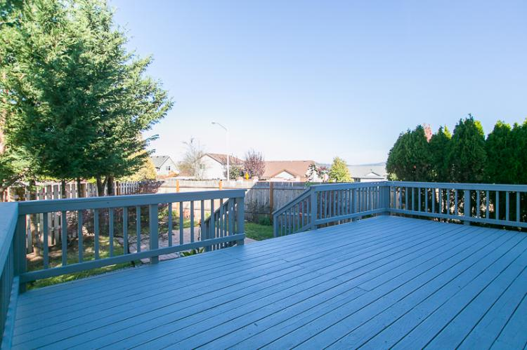Deck 1164 SW 12th Court Troutdale 97060